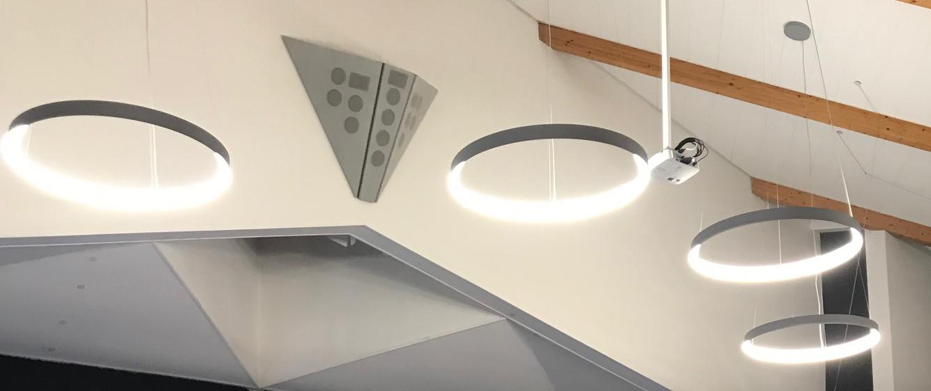 Deckenbeleuchtung des Gemeindehaus in Ubbedissen mit Pendelleuchten