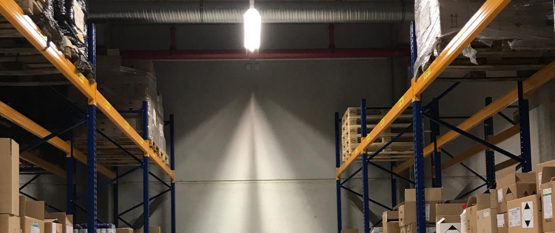 Deckenbeleuchtung im Lager von igefa