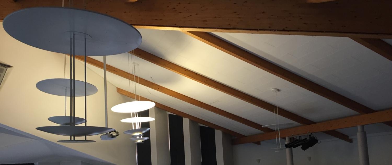 Vorher-Bild der Deckenbeleuchtung der evangelischen Gemeinde in Ubbedissen